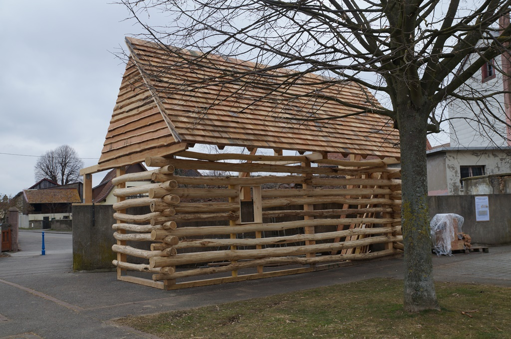 Construction cabane torchis for Cabane construction